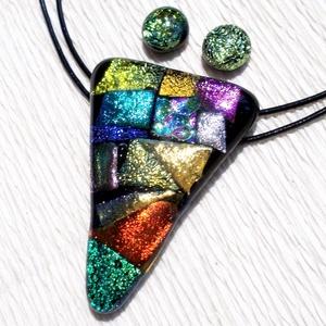 Dichroic kompozíció ékszerszett , ajándék  nőknek, névnapra, születésnapra., Ékszer, Ékszerszett, Fülbevaló, Gyűrű, Ékszerkészítés, Üvegművészet, Fusing technikával készült üvegmedál és fülbevaló.\nCsúcsminőségű csillogó színes dichroic  üvegekből..., Meska