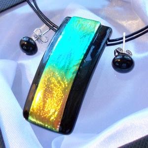Aurora borealis  ékszerszett,  szalagavató bálra, ballagásra, névnapra, születésnapra., Ékszerszett, Ékszer, Ékszerkészítés, Üvegművészet, Fusing technikával készült medál és fülbevaló.\nCsúcsminőségű fekete és kékes-zöld, arany fényben csi..., Meska