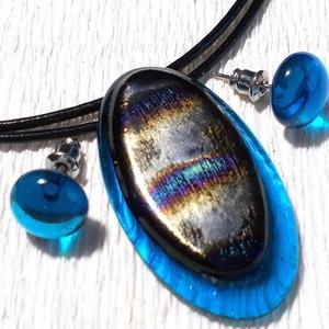 Kék szilva ékszerszett , ajándék névnapra születésnapra., Ékszer, Gyűrű, Fülbevaló, Ékszerszett, Ékszerkészítés, Üvegművészet, Fusing technikával készült ovális medál és stiftes fülbevaló.\nÁttetsző kék és bronzos kék-bordó mint..., Meska