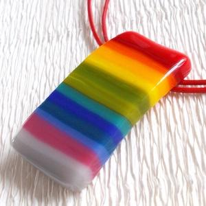 Szivárvány medál, névnapra, születésnapra., Medál, Nyaklánc, Ékszer, Ékszerkészítés, Üvegművészet, Olvasztásos technikával készült saját tervezésű trendi medál.\nCsúcsminőségű  színes ékszerüvegekből ..., Meska
