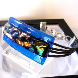 Hullámok-fények játéka, dichroic karkötő  névnapra, születésnapra., Ékszerszett, Ékszer, Ékszerkészítés, Üvegművészet, Olvasztási  technikával készült, csúcsminőségű  kék és szivárvány hullámos dichroic  üvegből  olvasz..., Meska