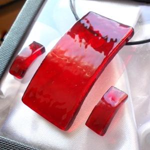 Rubin ragyogás ékszerszett., Ékszer, Ékszerszett, Ékszerkészítés, Üvegművészet, Fusing technikával készült  csúcsminőségű rubin piros irizáló üvegből  olvasztottam, mely fényhatást..., Meska