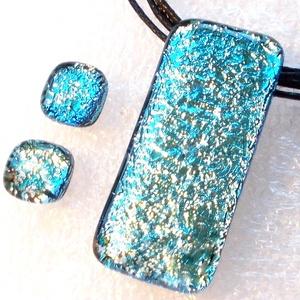 Exkluzív ezüst-kék dichroic ékszerszett, szalagavató bálra, névnapra, születésnapra., Ékszer, Ékszerszett, Ékszerkészítés, Üvegművészet, Fusing technikával készült  szett.\nFekete alapon  exkluzív tükrös bevonatú dichroic üvegből  olvaszt..., Meska