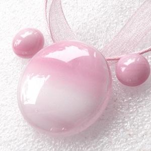 Hamvas rózsaszín, nyaklánc és stiftes fülbevaló , ajándék lányoknak, névnapra, születésnapra., Ékszer, Ékszerszett, Ékszerkészítés, Üvegművészet, Fusing technikával készült üvegmedál, és fülbevaló.\nMinőségi rózsaszín ékszerüvegből olvasztottam, \n..., Meska