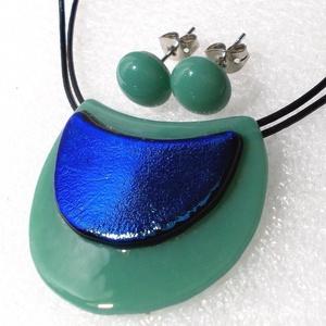 Zöld-kék hajlított ékszerszett ajándék névnapra, születésnapra., Ékszer, Ékszerszett, Ékszerkészítés, Üvegművészet, Csúcsminőségű ásvány és kék dichroic ékszerüvegből készült legújabb formájú hajlított ékszerszett.\nN..., Meska