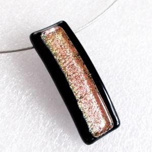 Lazacos rózsaszín dichroic  üvegmedál, ajándék farsangra, névnapra, születésnapra. - Meska.hu