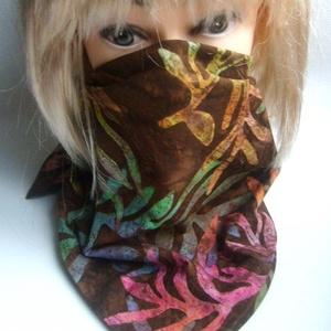 SZÁJMASZK ARCMASZK helyett Kendő, batikolt anyagból, Táska, Divat & Szépség, Ruha, divat, Sál, sapka, kesztyű, Kendő, NoWaste, Textilek, Kendő, Maszk, szájmaszk, Horgolás, Varrás, Azoknak javaslom, akik nem szeretnének maszkot hordani!:)\n\nNégyzet alakú kendőcske, félbehajtva háro..., Meska