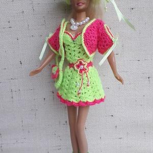 Barbie ruha garnitúra, Gyerek & játék, Játék, Baba játék, Horgolás, Jó tartású, könnyen mosható fonalból horgoltam ezt a Barbie ruha szettet. Babázáshoz kiváló kiegészí..., Meska