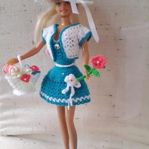 Barbie ruha garnitúra, Gyerek & játék, Játék, Baba játék, Horgolás, Varrás, Jó tartású, könnyen mosható, kék, fehér fonalból horgoltam ezt a Barbie ruha szettet. Babázáshoz kiv..., Meska