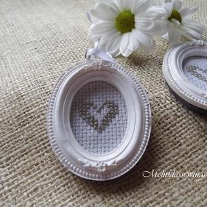 Esküvői köszönőajándék, rusztikus ajándék, hímzett szív miniatűr fényképkeretben - esküvő - emlék & ajándék - köszönőajándék - Meska.hu