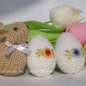 Húsvéti dekoráció csomag, Otthon & lakás, Dekoráció, Ünnepi dekoráció, Húsvéti díszek, Varrás, Horgolás, Különböző termékeimből összeállított Húsvéti szett.\n\nCsomag tartalma:\n6 db textil tulipán (több szín..., Meska