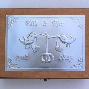 Nagy madárkás esküvői doboz - egyedi felirattal rendelhető!, Esküvő, Doboz, Emlék & Ajándék, Egyedi dombornyomott fémlemezzel díszített esküvői doboz 25 cm × 18,5 cm × 8 cm méretben.  Lehet nás..., Meska