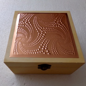 """""""Csillag-doboz"""" Minden alkalomra, Otthon & Lakás, Díszdoboz, Dekoráció, Egyedi, nem saját mintával készített dobozka. Mérete 15x15x8 cm. A fedél belső felületére kérhető fe..., Meska"""