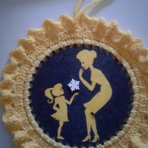 Anya pici Lányával (Mandala), Otthon & Lakás, Mandala, Dekoráció, Festett tárgyak, Horgolás, Meska