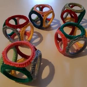 Kézügyességet fejlesztő bébi-játék 0-2 éves korig , Játék & Gyerek, Készségfejlesztő & Logikai játék, Horgolás, Varrás, Meska
