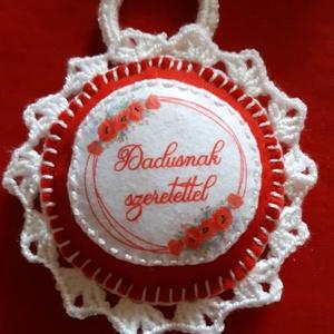 Ajándék Dadusnak- Souvenir, Otthon & lakás, Dekoráció, Dísz, Horgolás, Varrás, Sok művelettel készült ajándéktárgy, akármilyen alkalomra megfelelő.\nFilcből készült, kézi varrással..., Meska