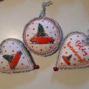 Karácsony, Karácsony & Mikulás, Karácsonyi dekoráció, Horgolás, Varrás, Karácsonyi kézműves dísz, gyapjú filcből készült, kézzel összevarrtam, tömőanyaggal kitömtem, és utá..., Meska