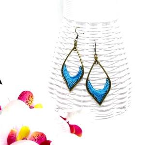 Csepp formájú fonal fülbevaló - kék - ékszer - fülbevaló - lógó fülbevaló - Meska.hu