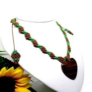Makramé nyaklánc, szív alakú tigrisszem medállal - Meska.hu