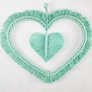 Makramé szív falidísz – menta, Otthon & lakás, Dekoráció, Lakberendezés, Dísz, Falikép, Ajtódísz, kopogtató, Csomózás, 100%-ban újrahasznosított pamut fonalból, fém szív alapból, makramé technikával készített egyedi fal..., Meska