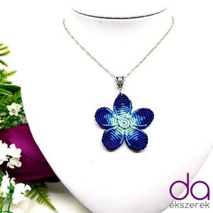 Flora makramé nyaklánc - kék, Ékszer, Medálos nyaklánc, Nyaklánc, Csomózás, Meska