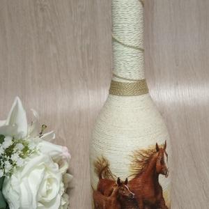 """Lovas díszüveg, Díszüveg, Dekoráció, Otthon & Lakás, Mindenmás, Ajándék lovas boros díszüveg 0,75 ml lovak \""""szerelmeseinek\"""". Megtölthető itallal. Egyedi igényeknek ..., Meska"""