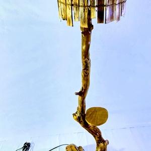 Állólámpa egy polccal, Otthon & lakás, Lakberendezés, Kaspó, virágtartó, váza, korsó, cserép, Lámpa, Állólámpa, Hangulatlámpa, Famegmunkálás, Újabb állólámpa született a műhelyben! Ez egy tölgyfa színű 142 cm magas állólámpa, melyen egy polc ..., Meska