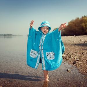 Különleges, praktikus Fürdőponcsó - türkiz, Gyerek & játék, Baba-mama kellék, Táska, Divat & Szépség, Gyerekruha, Ruha, divat, Varrás, Praktikus fürdőponcsó totyogóknak\nSzín: Türkíz kék frottír\n\nA fürdőponcsó teljesen szétteríthető, gy..., Meska
