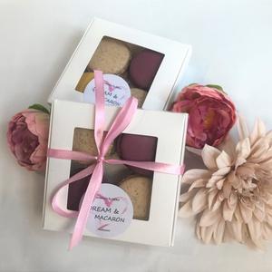 4you MACARON box (4 db-os), Élelmiszer, Édesség, Élelmiszer előállítás, A képen látható ablakos papír MACARON box 4 darab, mandulalisztből készített macaronból áll (2 külön..., Meska