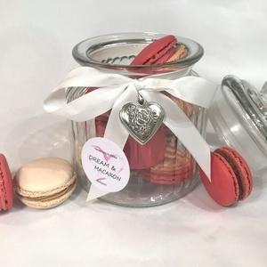 Macaron üvegben ♥♥, Élelmiszer, Édesség, Élelmiszer előállítás, 11 db MACARON romantikus díszüvegbe zárva. A MACARONOK keverékmentes mandulalisztből készülnek és 3 ..., Meska