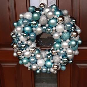 Kicsi 28cm Hideg jégkék  -   adventi, kopogtató, ajtódísz, Otthon & Lakás, Dekoráció, Ajtódísz & Kopogtató, Virágkötés, Újra eltelt egy év, lassan itt van az adventi-karácsonyi időszak...\n\n Nem szeretem az uniformizált t..., Meska