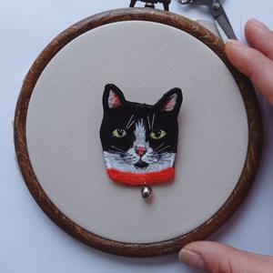 Állat portré, háziállat portré, kedvencedről hímzett kép, kedvenced kitűzőként, kutya portré, cica portré, kutya ékszer, Ékszer, Kitűző & Bross, Kitűző, Ékszerkészítés, Hímzés, Viseld magadon kedvenced! \n\nSaját fotód alapján készítem el kedvenced portréját, úgy hogy minél élet..., Meska