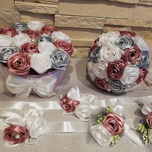 Fehér, ezüst, mályva menyasszonyi szatén örökcsokor , Esküvő, Menyasszonyi- és dobócsokor, Virágkötés, Mindenmás, Fehér, ezüst szürke, mályva színű menyasszonyi örökcsokor az esküvődre. Bármilyen színben rendelhető..., Meska