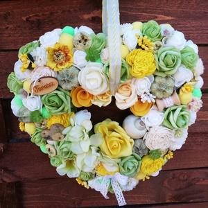 Ajtódísz, Otthon & Lakás, Dekoráció, Ajtódísz & Kopogtató, Virágkötés, Zöld, fehér, sárga színű tavaszi ajtódísz.Átmérője 27cm., Meska