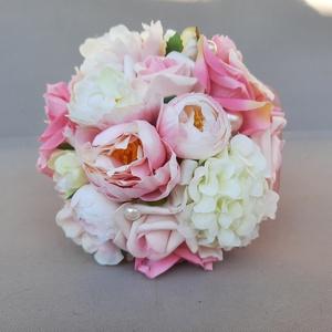 Örökcsokor, Esküvő, Menyasszonyi- és dobócsokor, Rózsaszín, krém, fehér árnyalatú minőségi selyemviragokból kèszìtett menyasszonyi csokor. Átmérője 1..., Meska