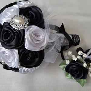 Fekete fehér örökcsokor , Esküvő, Menyasszonyi- és dobócsokor, Virágkötés, Mindenmás, Fekete, fehér színű örökcsokor. Átmérője 18cm.Közepes mèretű. Szaténszalagból, szirmonként, nagy gon..., Meska