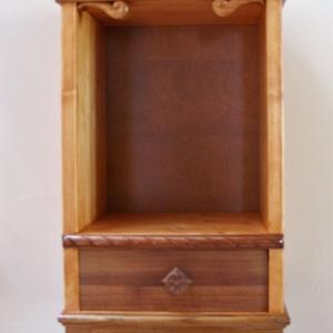 Kis szekrény, fali téka (DruidaMuvek) - Meska.hu
