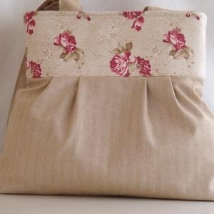 Válltáska rózsákkal, Táska, Táska, Divat & Szépség, Válltáska, oldaltáska, Varrás, Beige  színű,halvány csíkos vászonból  készítettem ezt a közepes méretű táskát.A felső rész  rózsás ..., Meska