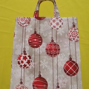 Ajándéktáska karácsonyi motívummal, Táska & Tok, Bevásárlás & Shopper táska, Shopper, textiltáska, szatyor, Varrás,  Karácsonyi díszek mintás vászonból készítettem ezt az ajándékátadó kis táskát, a környezettudatossá..., Meska