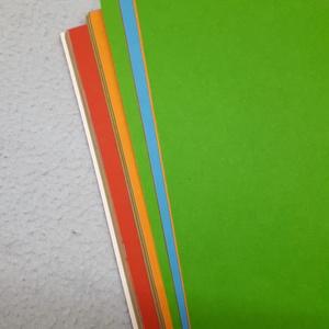 A5-ös füzet színes lapokkal, Otthon & Lakás, Papír írószer, Jegyzetfüzet & Napló, Könyvkötés, Ez a kézzel varrt, vidám füzet könnyen befér a táskádba, így bárhová magaddal viheted. Élénk színeiv..., Meska