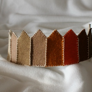 Filc korona Verbena, Játék & Gyerek, Varrás, Filcből készült korona, kisebb- és óvodáskorú gyermekek számára.\n\nA korona kézzel varrt.\nJó minőségű..., Meska