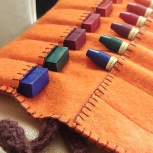 Krétatartó orange, Ceruza & Toll, Papír írószer, Otthon & Lakás, Horgolás, Varrás, Krétatartó, jó minőségű filc anyagból, horgolt pánttal. \n\nA gyapjú filcből készült krétatartó 8+3 db..., Meska