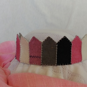 Filc korona pink3, Gyerek & játék, Játék, Varrás, Filcből készült korona, kisebb- és óvodáskorú gyermekek számára.\n\nA korona kézzel varrt.\nJó minőségű..., Meska