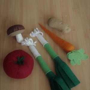 Filc zöldségek 3, Gyerek & játék, Varrás, Gyermekek kicsi konyhájába készültek ezek a zöldségek.\n\nAnyaga gyapjúfilc, aprólékos kézzel készítet..., Meska