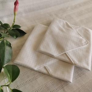 Fehér textilszalvéta, Szalvéta, Konyhafelszerelés, Otthon & Lakás, Varrás, Textilszalvéta, amely tökéletesen helyettesíti a papírszalvétát, hosszú távon.\n\nMérete: 30x30 cm. \n\n..., Meska