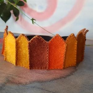 Filc korona 8, Játék & Gyerek, Varrás, Filcből készült korona, kisebb- és óvodáskorú gyermekek számára.\n\nA korona kézzel varrt.\nJó minőségű..., Meska