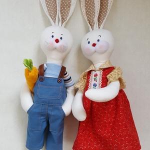 Nyuszi Zsuzsi és párja Nyuszi Gyuri, Nyuszi, Plüssállat & Játékfigura, Játék & Gyerek, Baba-és bábkészítés, Varrás, Máris hozhatja ez a kedves nyuszipár a hímes tojásokat. \nPrecizen megvarrt, öltöztethető nyuszik.\nA ..., Meska