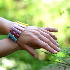 SZIVÁRVÁNY KARKÖTŐ - közkedvelt - szivárvány színek - variálható összeállítás -minden öltözékhez találsz illeszkedőt (Edian) - Meska.hu
