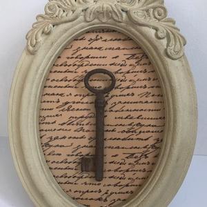 Egyedi romantikus ovális képkeret - régi kulcs - antik - vintage hangulat - shabby chic stílus - lakásdísz falra bútorra (Edian) - Meska.hu