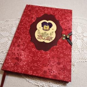 A/5 Piros, virágberakásos napló, Otthon & lakás, Naptár, képeslap, album, Mindenmás, Könyvkötés, Méretek: 14 x 20 cm, 240 oldal. A könyvtestet hagyományos kézi fűzéssel készítettem, pasztell naranc..., Meska